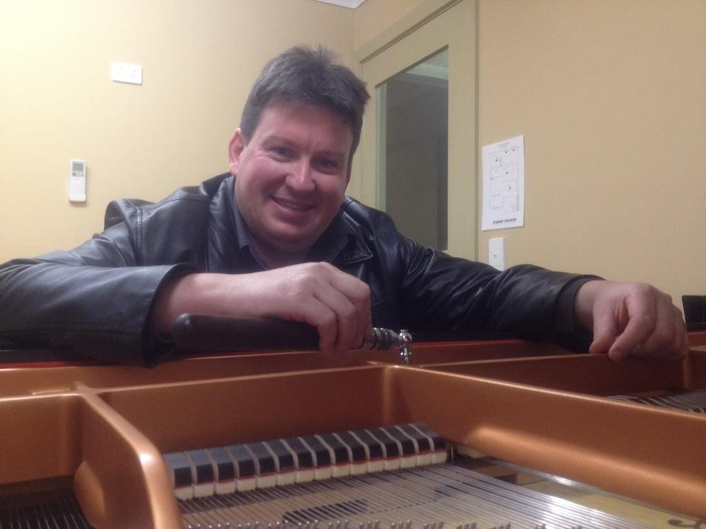 Piano tuner Glen Waverley, Doncaster, Boxhill, Carnegie, pakenham, Melbourne, Ringwood