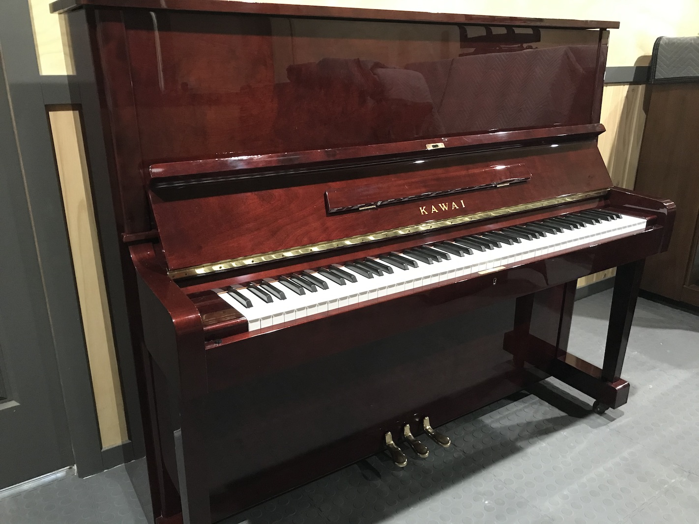 Piano Tuner Doncaster selling upright piano